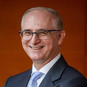 Alfonso Méndiz_rector UIC 300x300